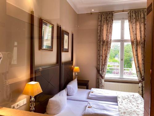 Hotel Kronprinz - Photo 5 of 28