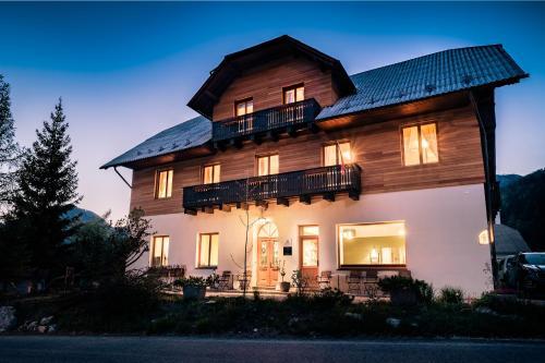 Vila Koman Jezersko - Accommodation - Zgornje Jezersko