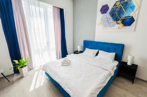 . Smart Apartment near Railway Station on 25 floor Kvartet 3C