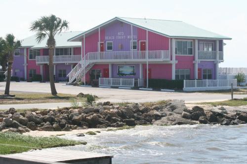 . Beach Front Motel Cedar Key