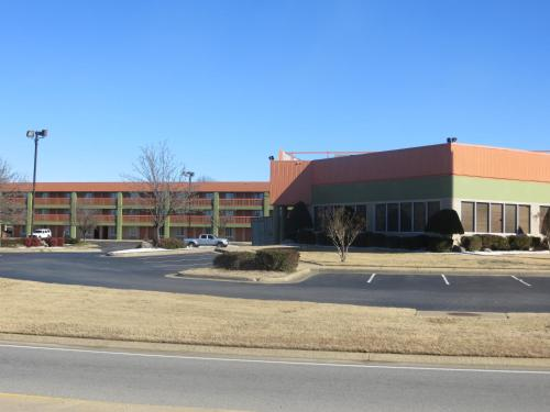 Super 8 By Wyndham Little Rock/Otter Creek - Little Rock, AR 72209