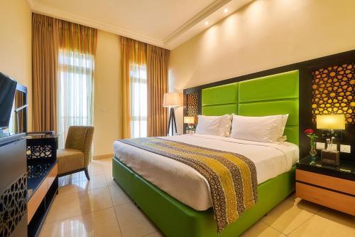 Bahi Ajman Palace Hotel - Photo 3 of 145