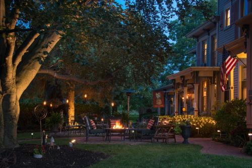 Sutherland House Victorian Bed and Breakfast - Accommodation - Canandaigua