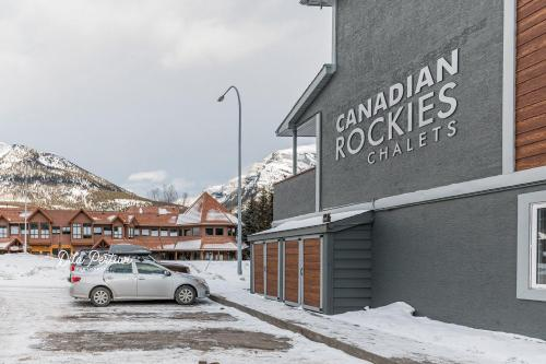 Canadian Rockies Chalets - Photo 3 of 40