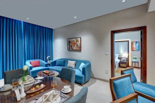 Royal Continental Suites Business Bay - image 4