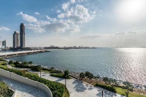 Primestay - Luxury 2BR with sea view in Bluewaters Island