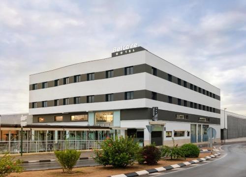 . Hotel Belcaire