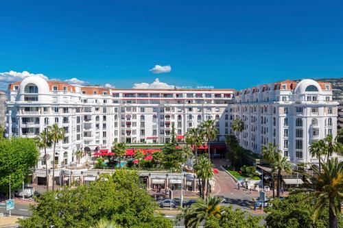 Hôtel Barrière Le Majestic Cannes - Hôtel - Cannes