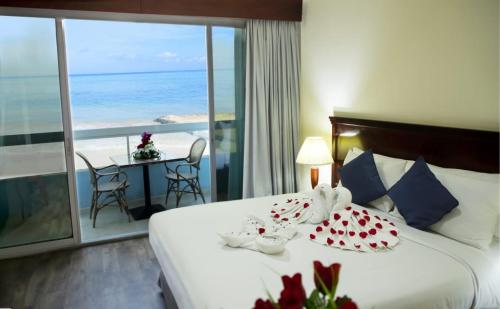 OYO 194 Mermaid Beach Hotel