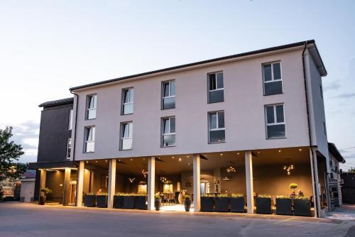 . Hotel Leonardo