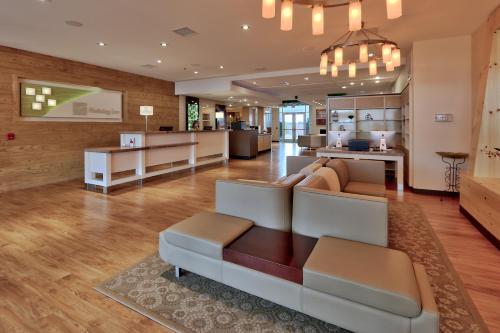 . Holiday Inn Roswell, an IHG Hotel