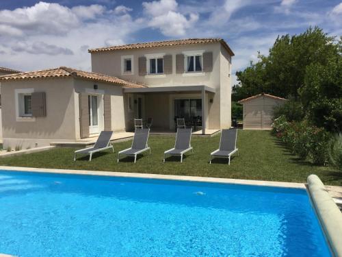 Jolie villa vacances climatisée avec piscine privée, proche du centre village de Mouriès à pieds, au coeur des Alpilles, LS1-302-Bouvino - Location saisonnière - Mouriès