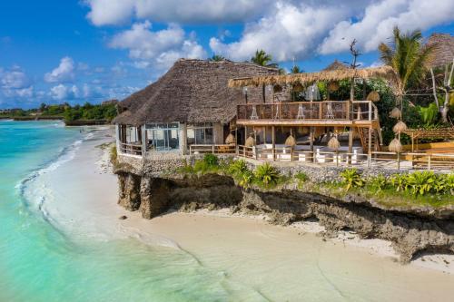 . Coral Rocks Hotel & Restaurant