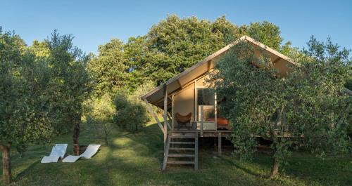 Glamping in Toscana, luxury tents in agriturismo biologico