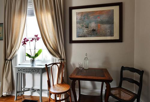 Maplebird House - Lunenburg, NS B0J 2C0