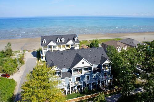 Executive Beach Houses