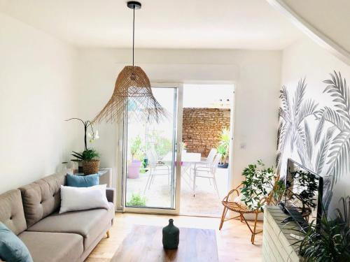 Maison BB Burgonce Bohème centre avec extérieur WIFI gratuit et NETFLIX - Location saisonnière - Niort