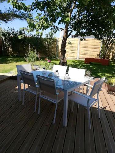 House with 3 bedrooms in Le ViviersurMer with WiFi
