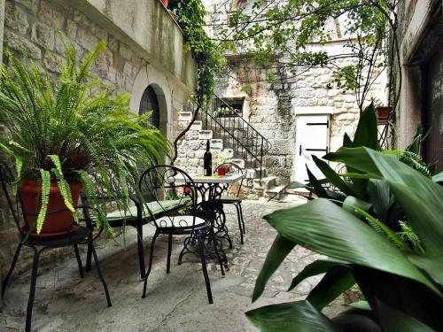 Rooms & Studio Stipcic, Pension in Trogir