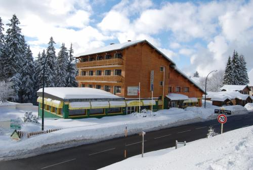 Hôtel De La Couronne - Hotel - Mijoux