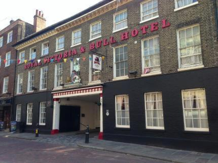 The Royal Victoria & Bull Hotel, , Kent