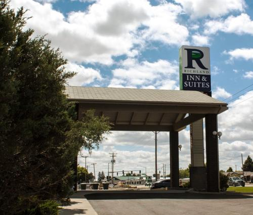 Richland Inn And Suites - Sidney, MT 59270