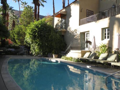 412 West Tahquitz Canyon Way, Palm Springs, CA 92262, United States.
