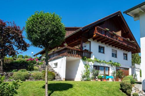 . Ferienwohnungen mit Alpensicht