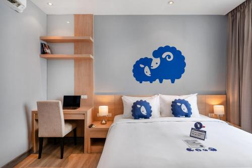 Hotel Demeter Residences Suites Bangkok