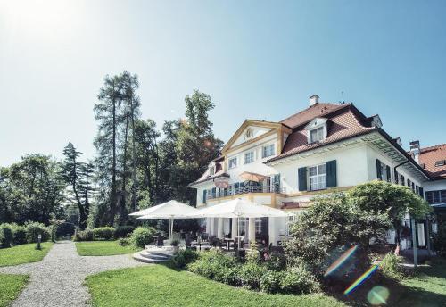 . Biohotel Schlossgut Oberambach