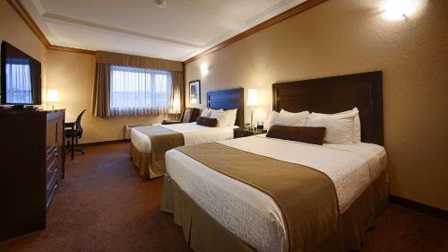 Best Western Plus Kamloops Hotel - image 10