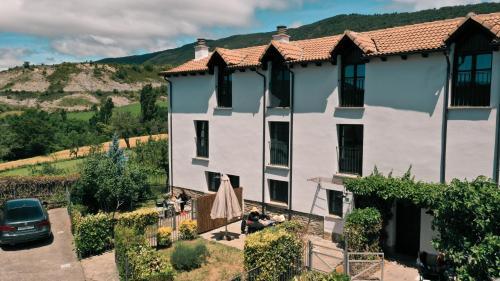 Two-Bedroom House Casas Pirineos 13