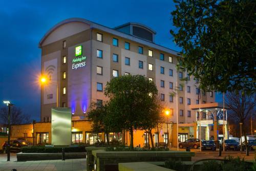 Holiday Inn Express London - Wandsworth, An Ihg Hotel
