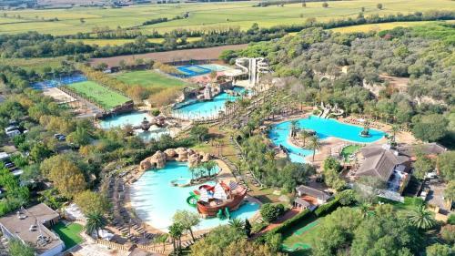 . Hotel Clipper & Villas