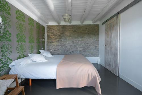 Two-Bedroom House Casas Pirineos 8