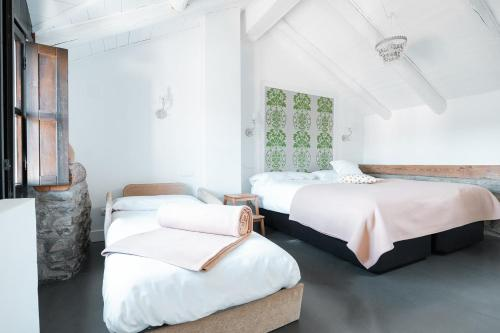 Two-Bedroom House Casas Pirineos 4