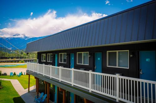 Stoke Hotel SureStay Collection by Best Western - Accommodation - Revelstoke