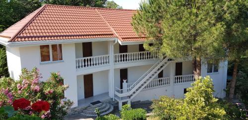 Accommodation in Katkova Shchel'