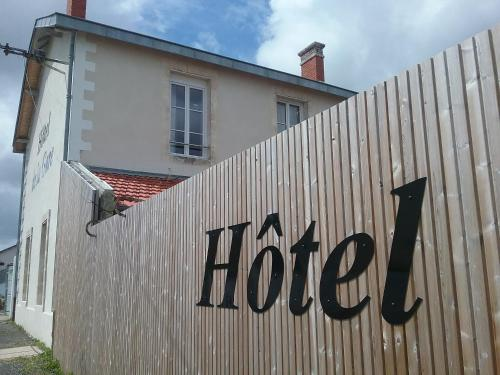 __{offers.Best_flights}__ Hôtel de la Gare