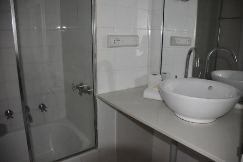 Accommodation Sydney Studio with balcony apartment - image 2