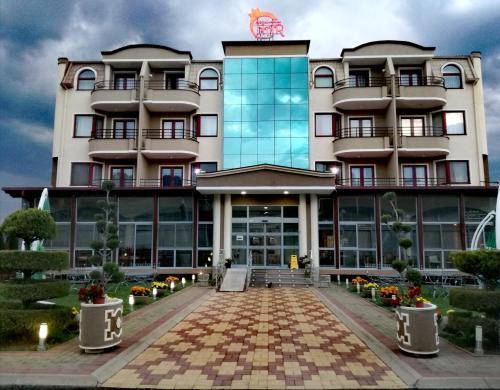 . Hotel Nar