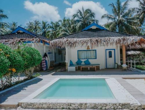 LUXURY RESORT ON PRIVATE ISLAND W/ PRIVATE CHEF, Kepulauan Mentawai