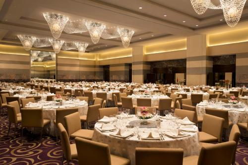 Hilton Capital Grand Abu Dhabi photo 25