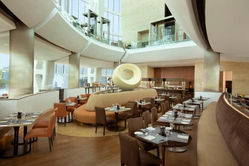 Hilton Capital Grand Abu Dhabi photo 9