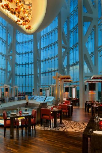 Hilton Capital Grand Abu Dhabi photo 12