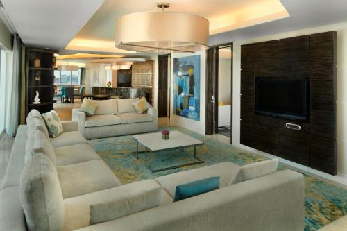 Hilton Capital Grand Abu Dhabi photo 14