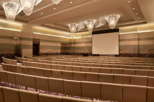 Hilton Capital Grand Abu Dhabi photo 38