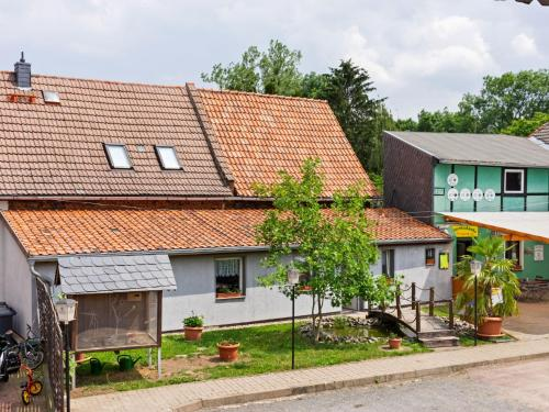. Bright and tasteful apartment in Meisdorf in the Harz region with use of garden