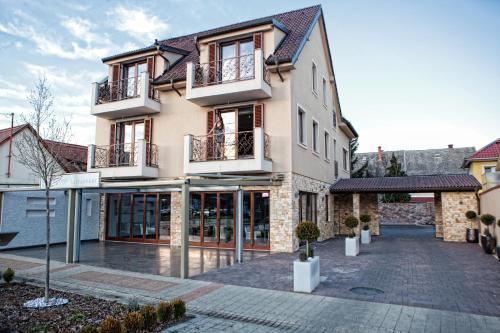 Mirage Hotel Sarvar