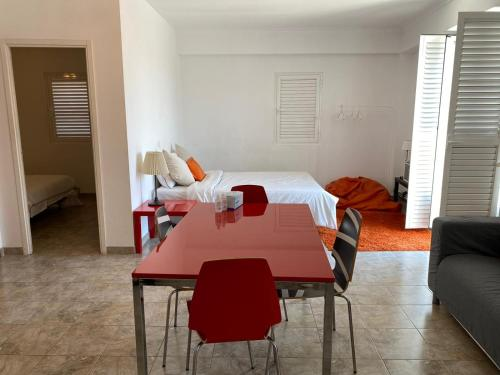 Alfama Apartment with Balcony, Lisboa